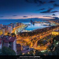 Panorámica noctura de Málaga desde Gibralfaro